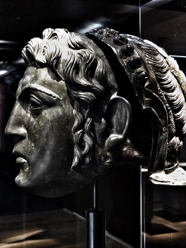 Gesichtsmaske eines römischen Reiters