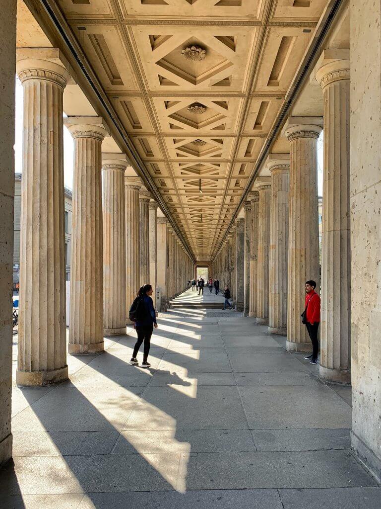 Säulengang im Kolonnadenhof