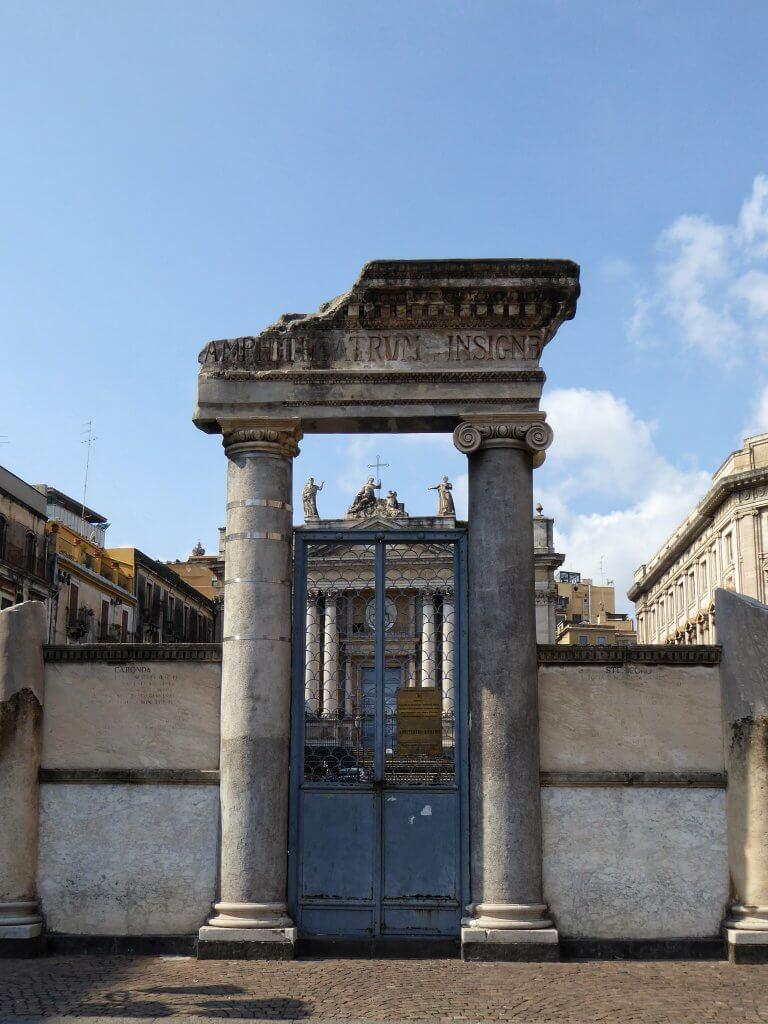 Die römischen Theater von Catania